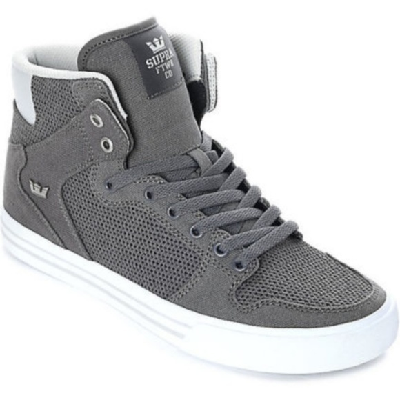 d8cecb8f6b77 New Supra Vaider Grey   White Canvas Knit Sneakers.  M 5b6dddab0cb5aa23673f5a12